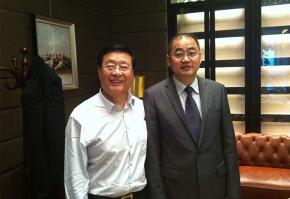 与中国木门窗专业委员会会长张国林